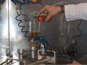 technicien laboratoire analyse huile hydraulique